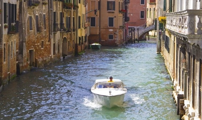 Water taxis Venice: detailed information, pre-orders and prices